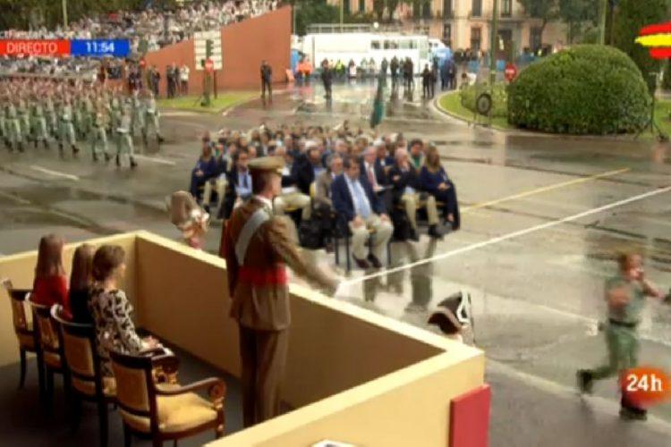 Desfile 12 de Octubre: Escuadrón Comisiones desfila ante Felipe VI