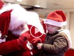 Santa Claus también sabe hablar el lenguaje de signos
